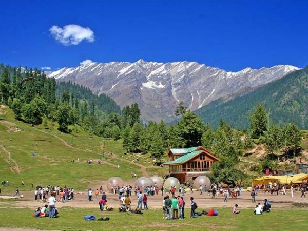 5-best-new-year's-eve-party-destinations-in-india-manali-solang-valley