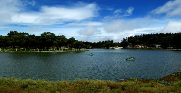 10-Best-Team-Outing-Places-in-and-Around-Bangalore-Yercaud-lake