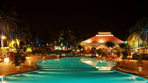 10-Best-Team-Outing-Places-in-and-Around-Bangalore-golden-palms-resort