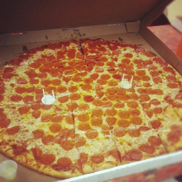 10-Late-Night-Delivery-Places-in-Bangalore-Crunch-Pizzas