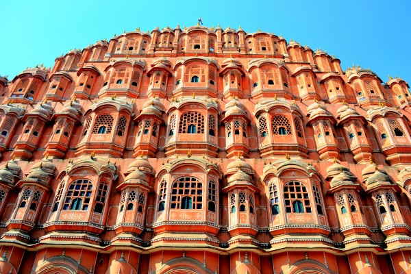 5-Mahals-You-Must-Visit-in-India-Hawa-Mahal