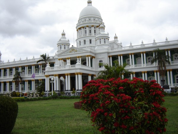 5-Mahals-You-Must-Visit-in-India-Lalitha-Mahal