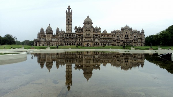 5-Mahals-You-Must-Visit-in-India-Laxmi-Vilas-Palace
