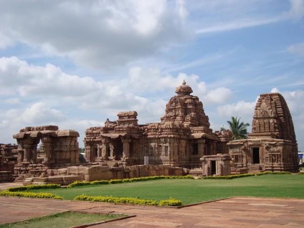 5-Offbeat-Places-You-Can-Visit-in-Karnataka-Pattadakal