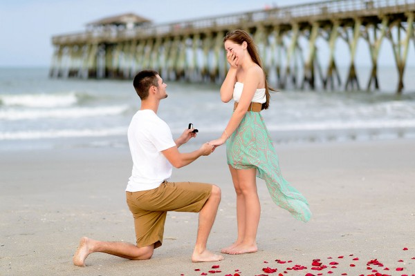 Why Do Men Bend Down On Their Knees While Proposing?